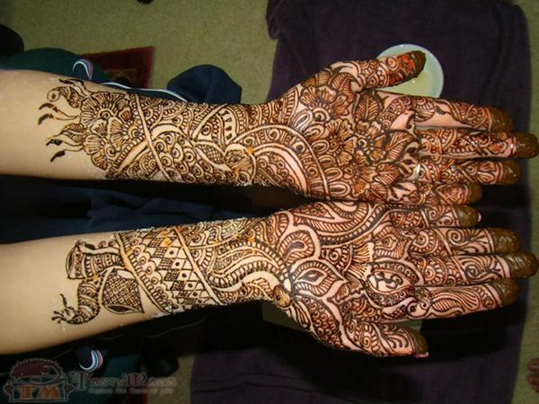Amazing Mehndi Designs For Wedding Days