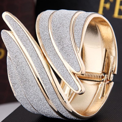 2013-hot-selling-font-b-Unique-b-font-Elegant-Angel-Wings-font-b-bracelet-b-font