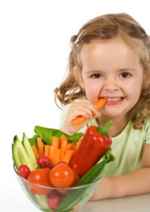kid-eating-veggies