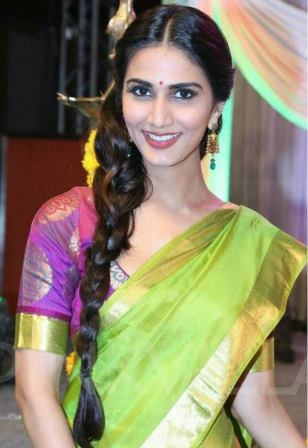 hairstyles_for_traditional_sarees